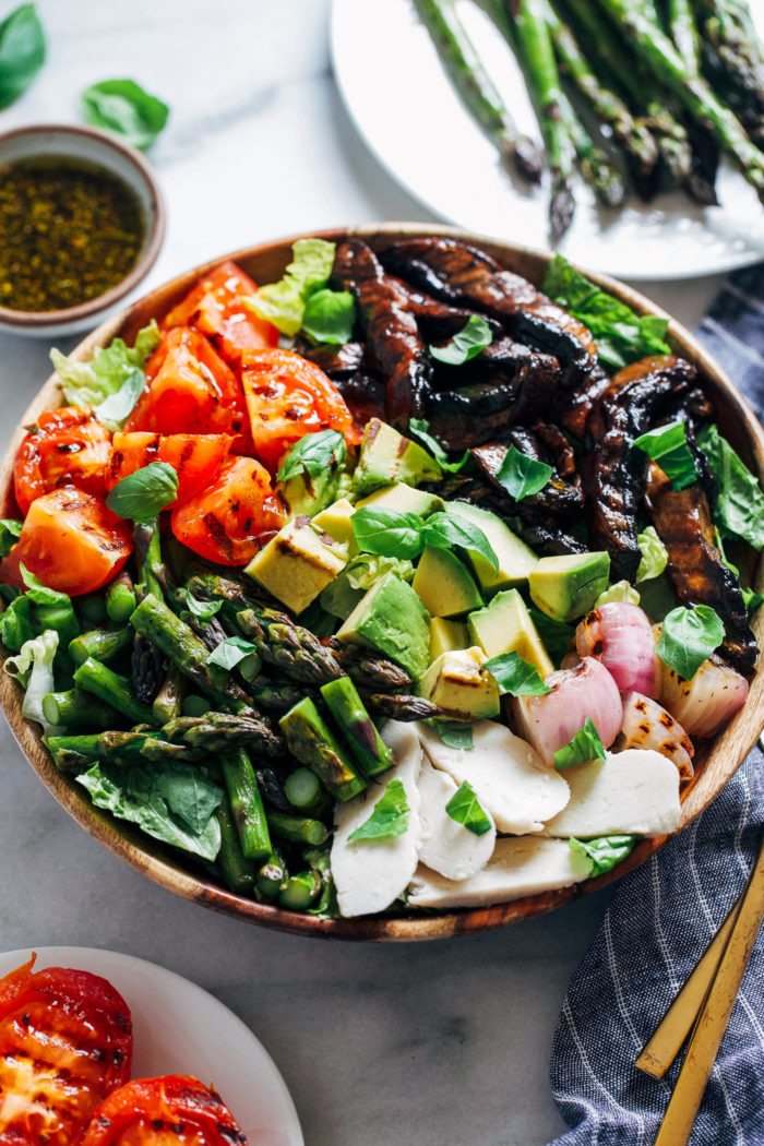 Grilled Vegetable Summer Salad- marinated and grilled portobello caps give this salad a delicious meaty texture that even carnivores will love!(plant-based, gluten-free)