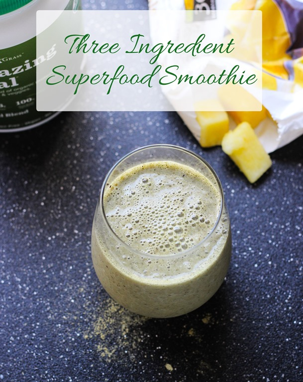 Three Ingredient Superfood Smoothie + Amazing Grass Giveaway!