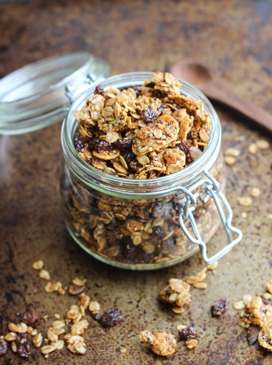 Superseed-Cinnamon-Raisin-Granola_thumb.jpg