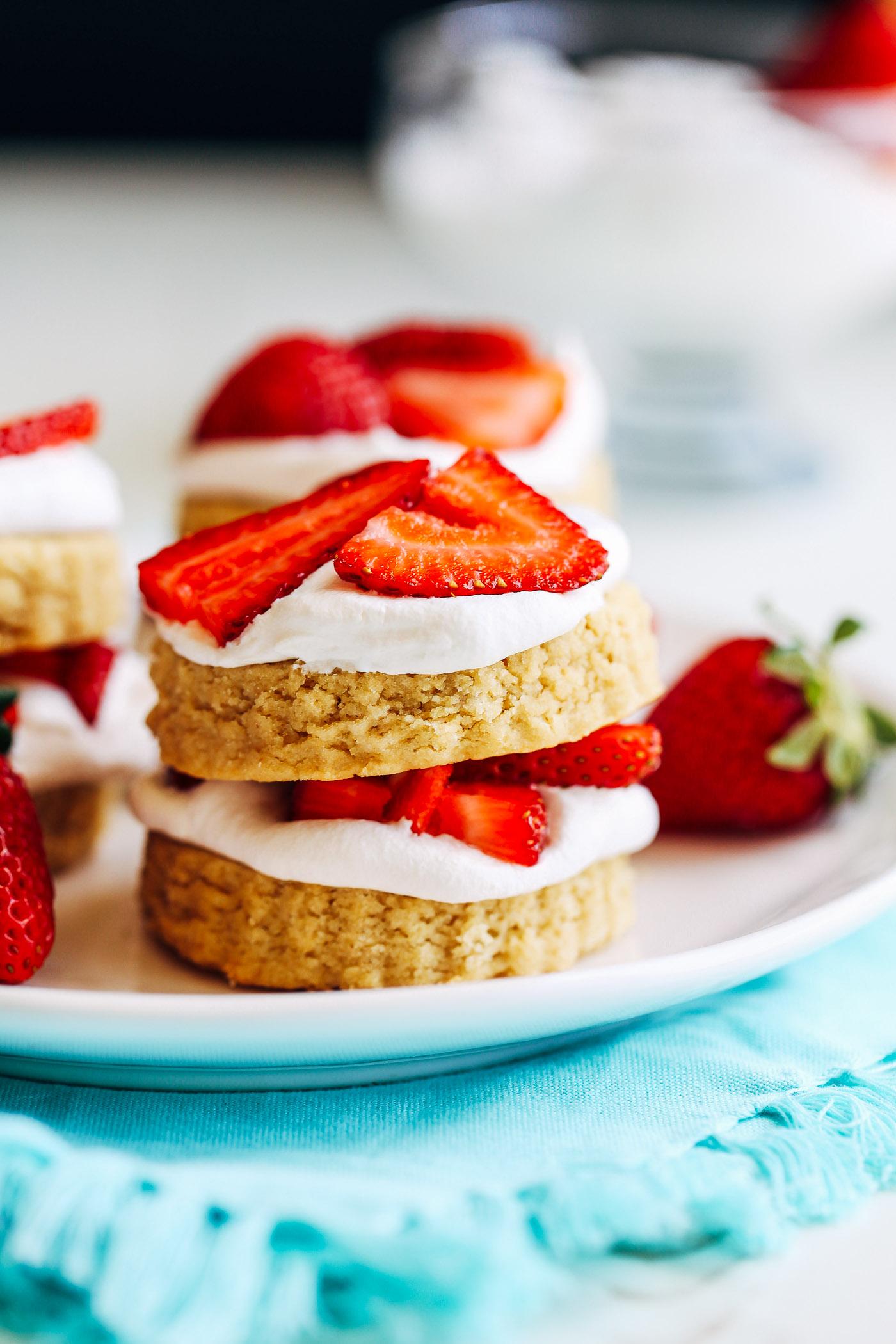 Vegan gluten free strawberry shortcakes making thyme for - Dessert vegan sans gluten ...
