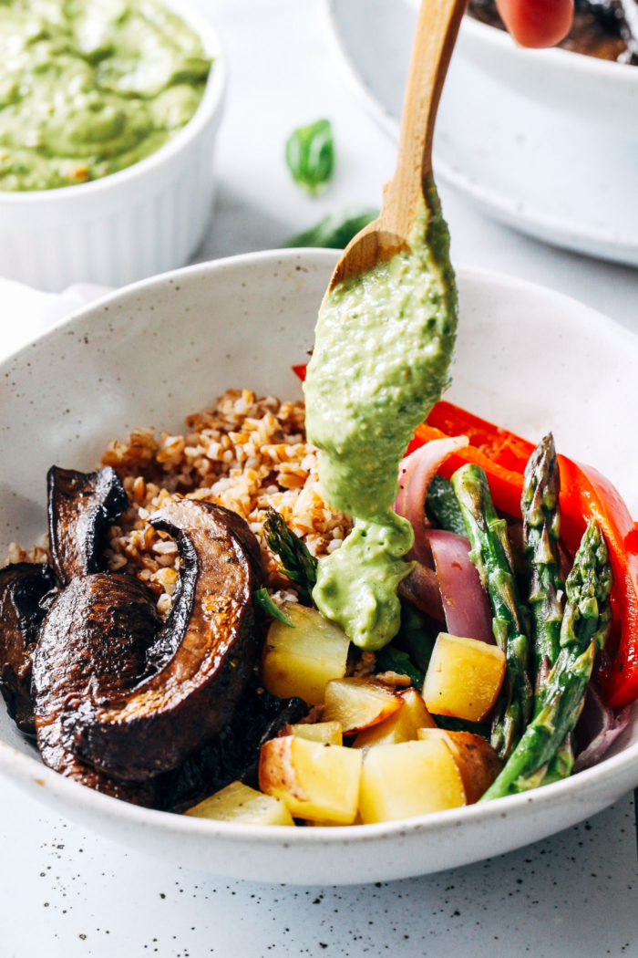 Roasted Mushroom Vegetable Bowls with Avocado Pistachio ...