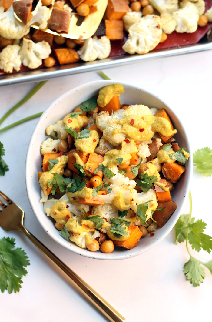 Curried Cauliflower Chickpea Buddha Bowls from Hummusapien