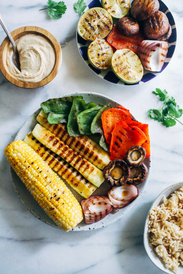Grilled Vegetable Hummus Bowls- a super simple recipe that's so flavorful and healthy it's sure to be on repeat all summer long! #vegan #glutenfree #plantbased