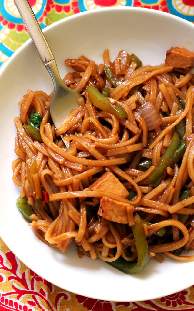 Spicy Thai Noodles with Peppers from Eats Well With Others