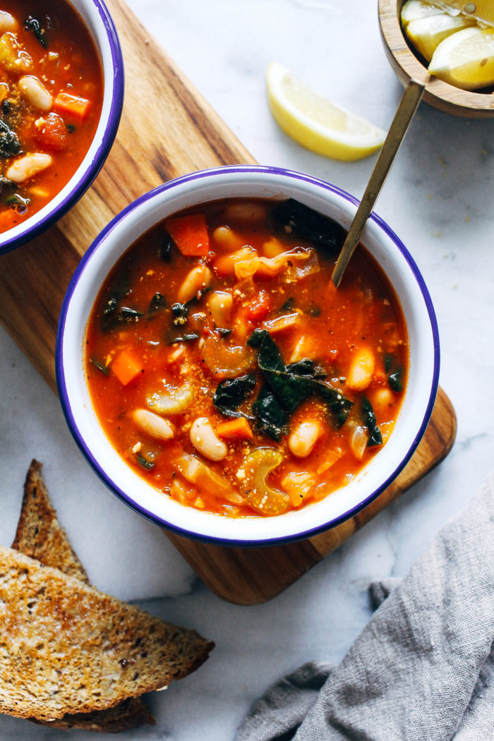 Tuscan White Bean Soup- made with robust cabbage and kale, this hearty soup is satisfying and packed full of antioxidants to keep your immune system strong! (vegan, grain-free) #30minutemeal