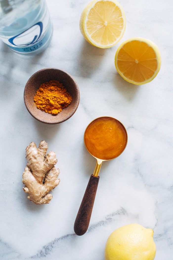 Sparkling Turmeric Tonic- made with a blend of turmeric and ginger, this anti-inflammatory drink is refreshing and delicious!