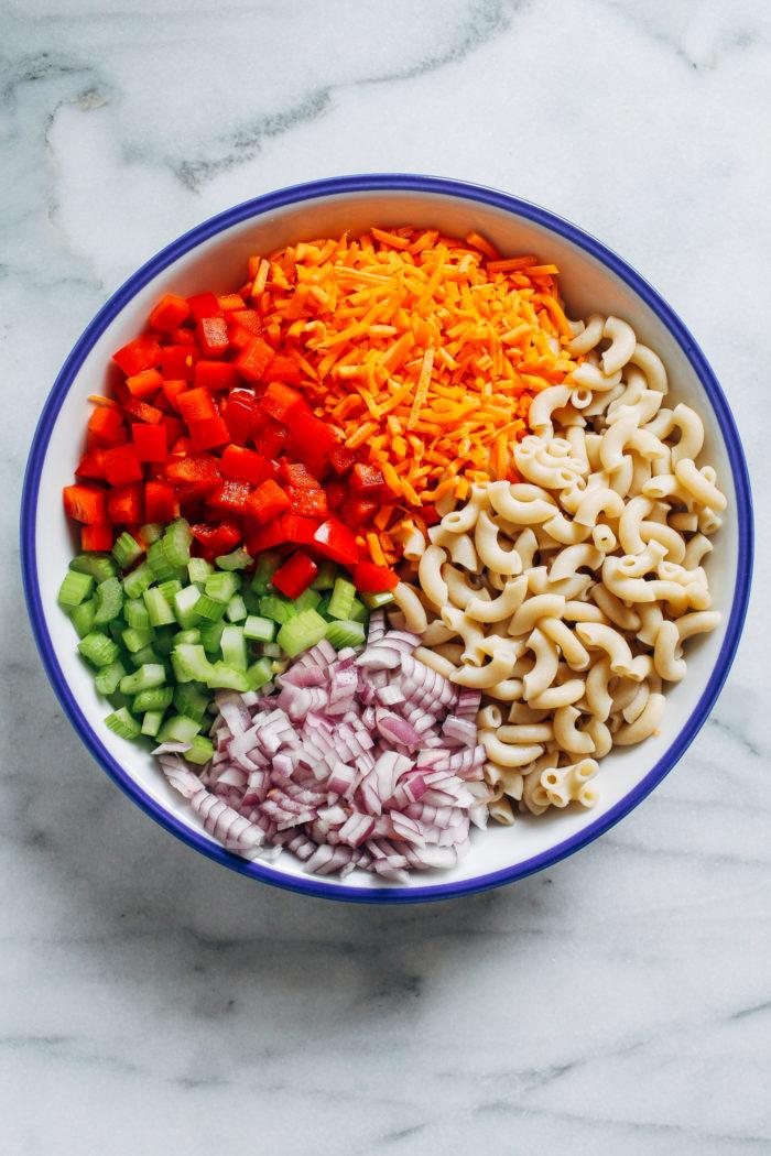 Vegan Macaroni Salad- all you need is 10 ingredients to make this dairy-free version of classic macaroni salad! (gluten-free option) #plantbased