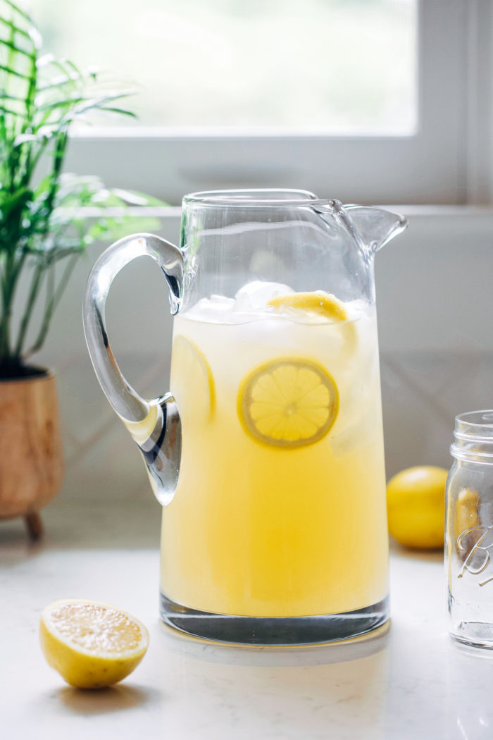 Honey Sweetened Lemonade- all you need is 3 simple ingredients for refreshing homemade lemonade that's naturally sweetened!
